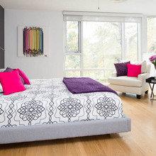 Фотография: Спальня в стиле Восточный, Декор интерьера, Аксессуары, Текстиль, Цвет в интерьере, Текстиль, Подушки – фото на InMyRoom.ru