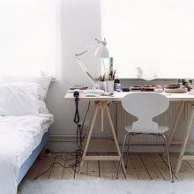 Фотография: Кабинет в стиле Скандинавский, Дом, Дома и квартиры, Стол – фото на InMyRoom.ru