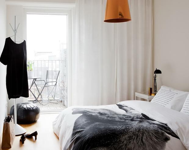 Фотография: Спальня в стиле Скандинавский, Малогабаритная квартира, Квартира, Австралия, Цвет в интерьере, Дома и квартиры, Белый, Ретро – фото на InMyRoom.ru
