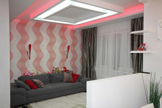 Фотография: Гостиная в стиле , Малогабаритная квартира, Квартира, Цвет в интерьере, Дома и квартиры, Белый – фото на InMyRoom.ru