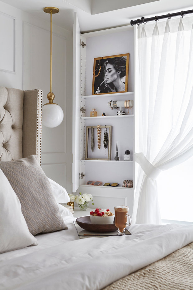Фотография: Спальня в стиле Современный, Декор интерьера, Квартира, США, Белый, Черный, Бежевый, 40-60 метров – фото на InMyRoom.ru
