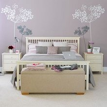 Фотография: Спальня в стиле Современный, Интерьер комнат, Мебель и свет, Цвет в интерьере, Белый, Гардероб – фото на InMyRoom.ru