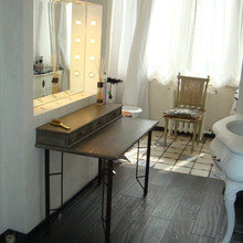 Фотография:  в стиле Кантри, Ванная, Интерьер комнат, Проект недели – фото на InMyRoom.ru