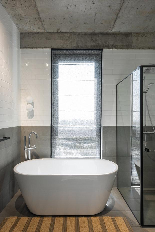 Фотография: Ванная в стиле Минимализм, Современный, Квартира, Проект недели, Киев, PLANiUM, 4 и больше, Более 90 метров – фото на INMYROOM