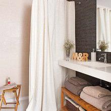 Фотография: Ванная в стиле Кантри, Квартира, Испания, Терраса, Цвет в интерьере, Дома и квартиры, Белый – фото на InMyRoom.ru