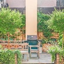 Фото из портфолио Частный дом в условиях города с собственным садом – фотографии дизайна интерьеров на InMyRoom.ru