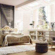 Фотография: Спальня в стиле Классический, Декор интерьера, Мебель и свет – фото на InMyRoom.ru