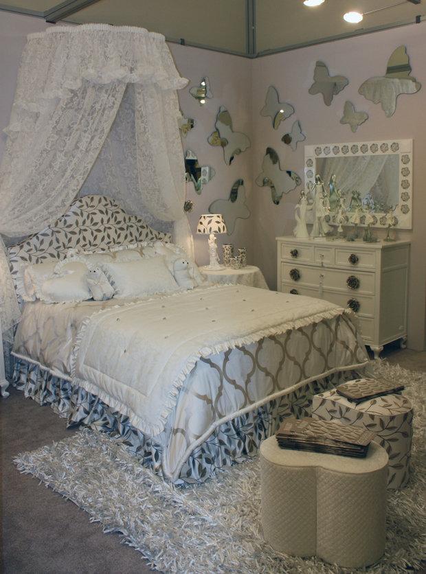 Фотография: Спальня в стиле Классический, Современный, Artemide, Flos, PROVASI, Индустрия, События, Маркет, Мягкая мебель, Missoni, Пэчворк, Porada, LLADRO – фото на InMyRoom.ru