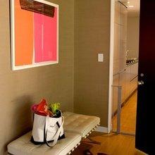 Фотография: Прихожая в стиле Современный, Декор интерьера, Дизайн интерьера, Цвет в интерьере, Желтый, Розовый, Оранжевый, Неон – фото на InMyRoom.ru