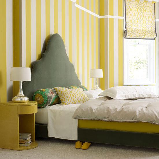 Фотография: Спальня в стиле Эклектика, Декор интерьера, Дизайн интерьера, Цвет в интерьере, Серый – фото на InMyRoom.ru