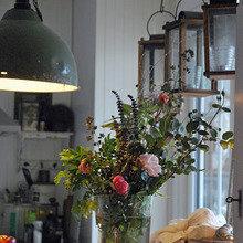 Фотография: Кухня и столовая в стиле Кантри, Скандинавский, Современный, Балкон, Интерьер комнат, специальная тема: балконы – фото на InMyRoom.ru
