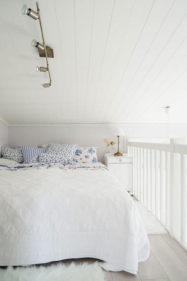 Фотография: Спальня в стиле Скандинавский, Декор интерьера, Дом, Швеция, Дача, Дом и дача – фото на InMyRoom.ru