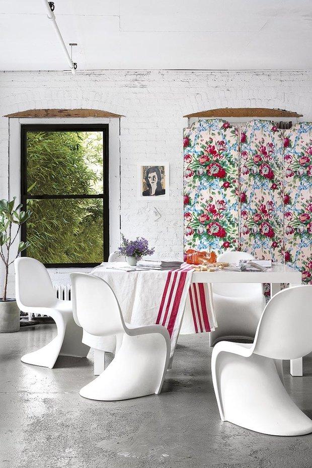 Фотография: Кухня и столовая в стиле Лофт, Эклектика, Декор интерьера, Квартира, Аксессуары, Мебель и свет – фото на InMyRoom.ru