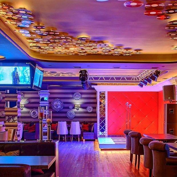 Фото из портфолио Ночной клуб -КАРАОКЕ – фотографии дизайна интерьеров на INMYROOM
