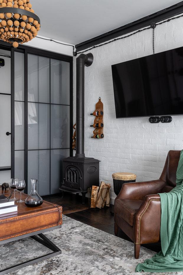 Фотография: Гостиная в стиле Лофт, Эклектика, Квартира, Проект недели, Москва, Кирпичный дом, 2 комнаты, 40-60 метров, Алина Палагина – фото на INMYROOM
