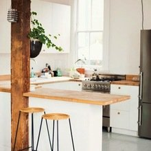 Фотография: Кухня и столовая в стиле Кантри, Эко, Современный, Малогабаритная квартира, Квартира, Мебель и свет, дизайн маленькой кухни, как обустроить маленькую кухню, идеи для маленькой кухни, kuhnya-8-kv-metrov – фото на InMyRoom.ru