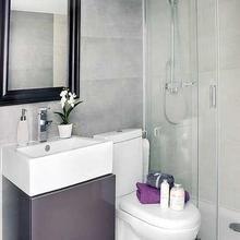 Фотография: Ванная в стиле Современный, Малогабаритная квартира, Квартира, Мебель и свет, Дома и квартиры – фото на InMyRoom.ru