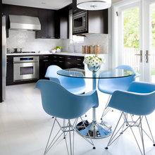 Фотография: Кухня и столовая в стиле Современный, Декор интерьера, Дизайн интерьера, Цвет в интерьере, Черный, Желтый, Синий, Серый – фото на InMyRoom.ru