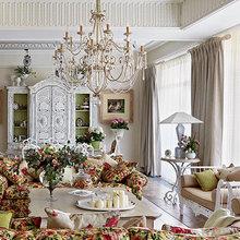 Фотография: Гостиная в стиле Классический, Декор интерьера, Comptoir de Famille, Country Corner, Мебель и свет, Стол, Интерьерная Лавка, Журнальный столик – фото на InMyRoom.ru