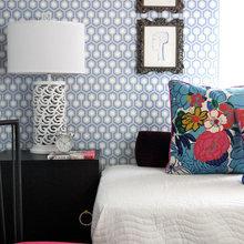 Фотография: Спальня в стиле Современный, Гостиная, Декор, Мебель и свет, Белый, Отель, Переделка, Черный, Голубой – фото на InMyRoom.ru