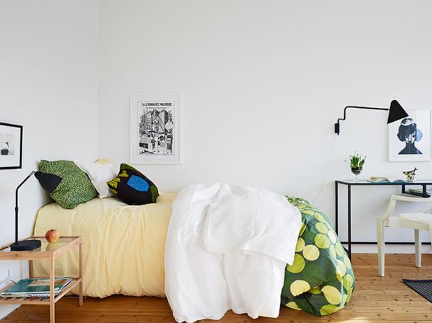 Фотография: Спальня в стиле Скандинавский, Малогабаритная квартира, Квартира, Швеция, Дома и квартиры, Минимализм – фото на InMyRoom.ru