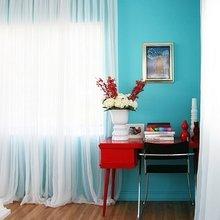 Фотография: Спальня в стиле Современный, Декор интерьера, Декор, Белый, Зеленый, Бежевый, Синий, Голубой, Оранжевый, Бирюзовый – фото на InMyRoom.ru