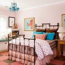 Фотография: Спальня в стиле Кантри, Классический, Декор интерьера, DIY, Мебель и свет, Советы, Люстра – фото на InMyRoom.ru