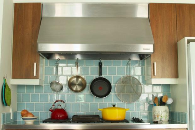 Фотография:  в стиле , Кухня и столовая, Классический, Современный, Декор интерьера, Квартира, Хранение, Декор, Переделка – фото на InMyRoom.ru