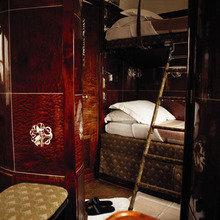 Фотография: Спальня в стиле Классический, Дома и квартиры, Городские места, Ар-деко, Ресторан – фото на InMyRoom.ru