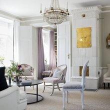 Фотография: Гостиная в стиле Скандинавский, Классический, Декор интерьера, Квартира, Черный, Бежевый, Серый, Розовый, бледно-розовый цвет в интерьере, модная палитра в интерьере – фото на InMyRoom.ru