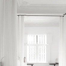 Фотография: Спальня в стиле Скандинавский, Декор интерьера, Декор дома, Текстиль, Шторы – фото на InMyRoom.ru