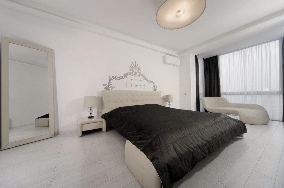 Фотография: Спальня в стиле Современный, Квартира, Цвет в интерьере, Дома и квартиры, Белый, Минимализм – фото на InMyRoom.ru