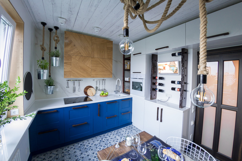 Голубая кухня в морском стиле