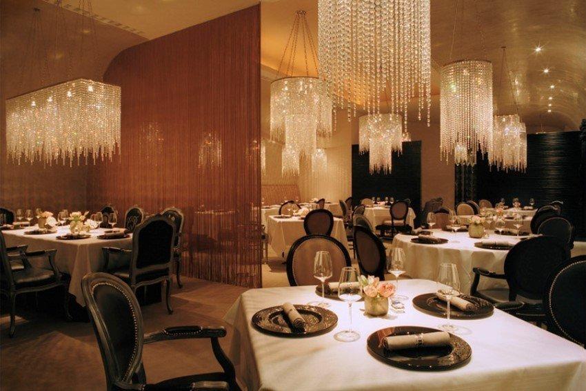 Фотография:  в стиле Современный, Великобритания, Мебель и свет, Цвет в интерьере, Индустрия, Люди, Лондон – фото на InMyRoom.ru