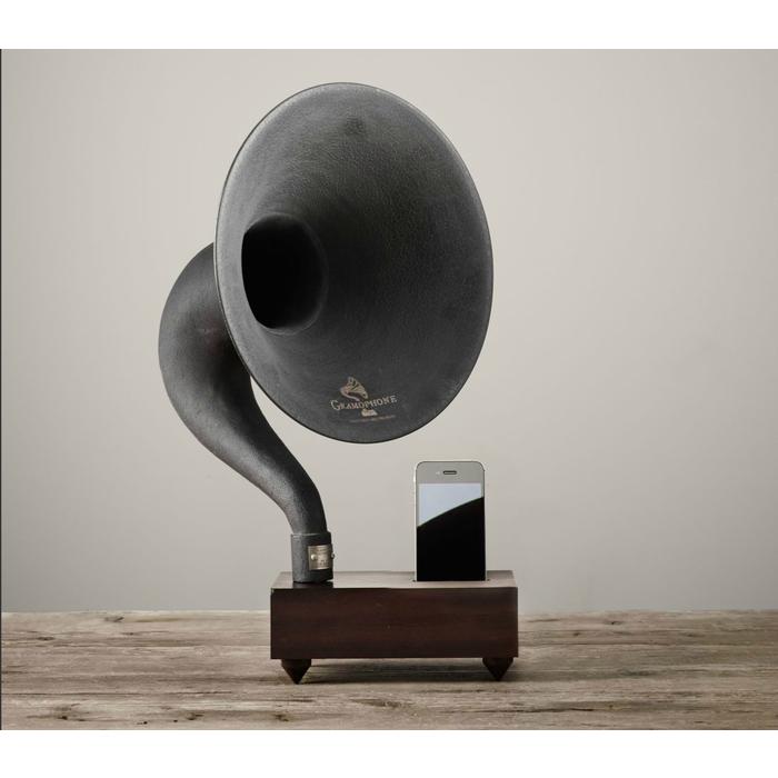 Декоративный граммофон для iPhone