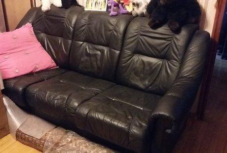 продам кожанный  диван