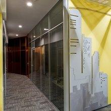 Фотография:  в стиле Современный, Декор интерьера, Офисное пространство, Мебель и свет – фото на InMyRoom.ru