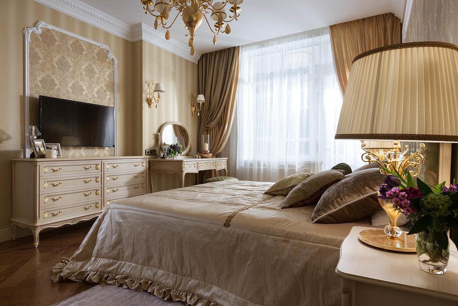Фотография: Спальня в стиле Классический, Квартира, Проект недели – фото на InMyRoom.ru