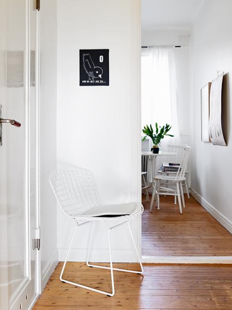 Фотография: Кухня и столовая в стиле Скандинавский, Малогабаритная квартира, Квартира, Швеция, Дома и квартиры, Минимализм – фото на InMyRoom.ru