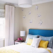 Фотография: Спальня в стиле Современный, Кухня и столовая, Декор интерьера, Декор дома, Цвет в интерьере, Белый, Камин, Бирюзовый – фото на InMyRoom.ru