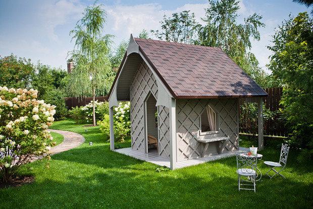 Фото из портфолио Сад в английском стиле в коттеджном поселке Павлово – фотографии дизайна интерьеров на INMYROOM