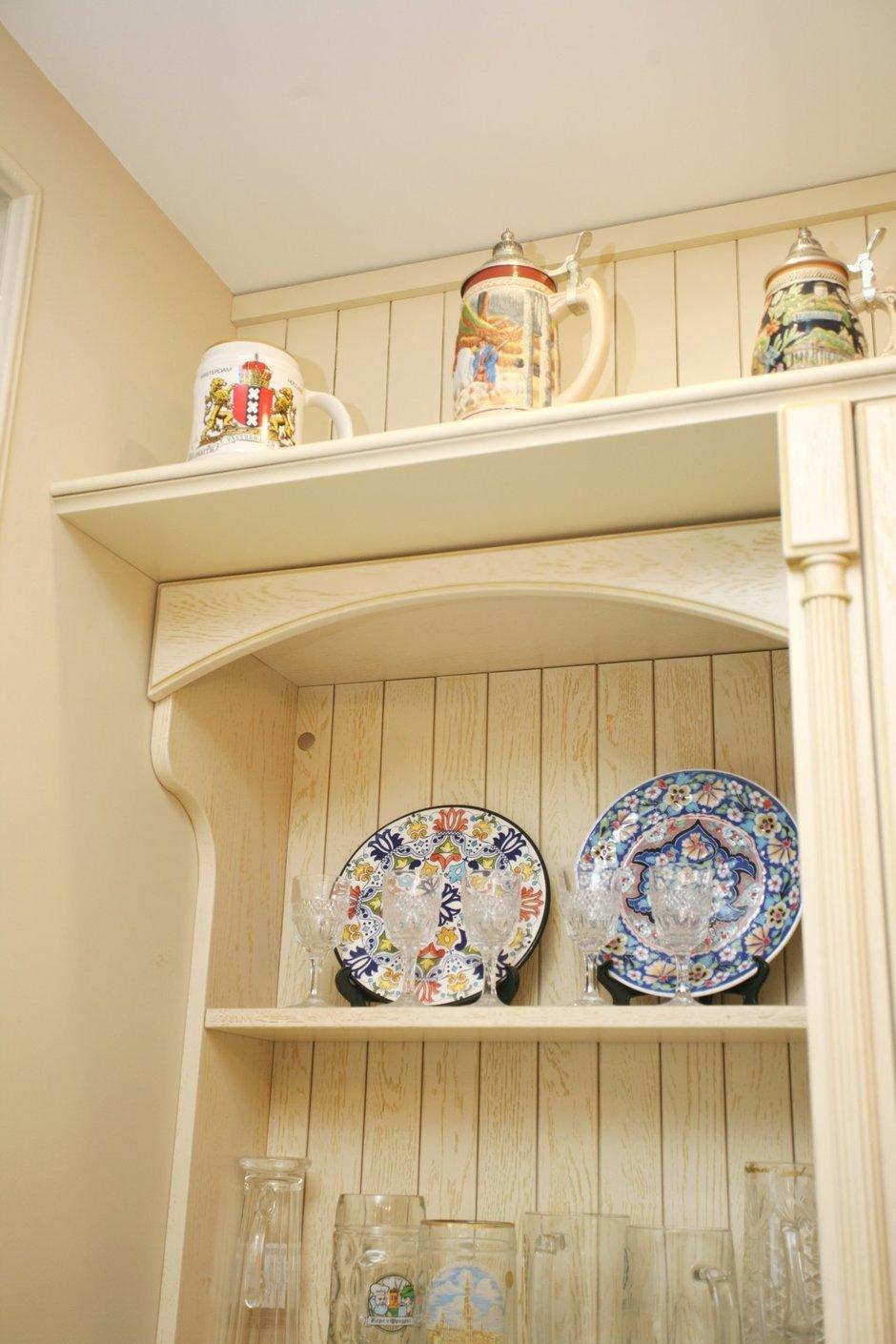 Фотография: Кухня и столовая в стиле Прованс и Кантри, Интерьер комнат, Проект недели – фото на InMyRoom.ru