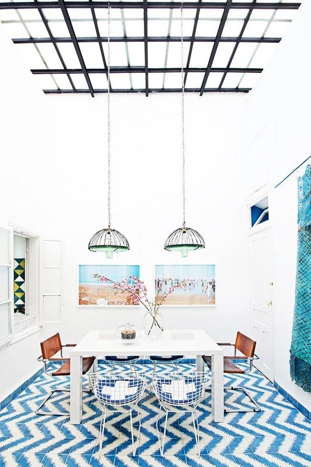 Фотография: Кухня и столовая в стиле Лофт, Декор интерьера, Дизайн интерьера, Декор, Цвет в интерьере, Морской – фото на InMyRoom.ru