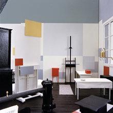 Фотография: Декор в стиле , Декор интерьера, Декор дома, Цвет в интерьере, Кресло, Шкаф – фото на InMyRoom.ru