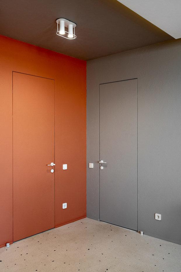Фото из портфолио Яркая оранжевая прихожая – фотографии дизайна интерьеров на INMYROOM