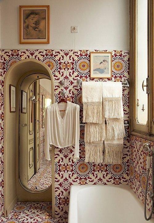 Фотография: Ванная в стиле Прованс и Кантри, Восточный, Декор интерьера, Декор дома, Плитка, Ремонт на практике – фото на InMyRoom.ru