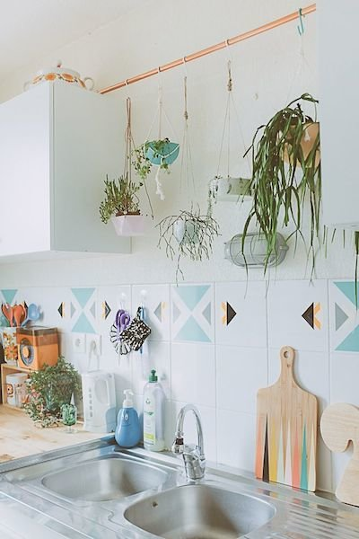 Фотография: Кухня и столовая в стиле Прованс и Кантри, Восточный, Декор интерьера, Декор дома, Плетеная мебель – фото на InMyRoom.ru