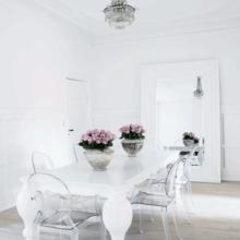 Фото из портфолио Захватывающий интерьер в белых тонах – фотографии дизайна интерьеров на INMYROOM