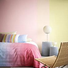 Фотография: Спальня в стиле Минимализм, Декор интерьера, Дизайн интерьера, Цвет в интерьере, Dulux, ColourFutures, Akzonobel, Краски – фото на InMyRoom.ru