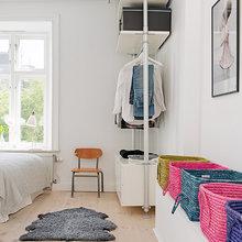 Фотография: Спальня в стиле Скандинавский, Современный, Малогабаритная квартира, Квартира, Швеция, Мебель и свет, Дома и квартиры, Белый – фото на InMyRoom.ru